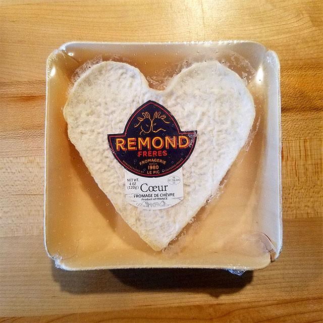 Cœur Fromage de Chèvre, Heart-Shaped Goat Cheese (4 oz.) – Remond Frères Fromagerie