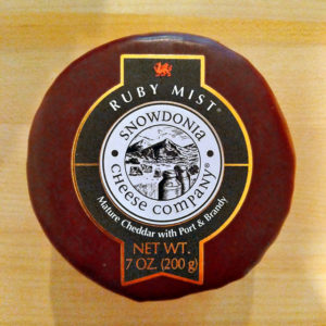 Ruby Mist Mature Cheddar with Port & Brandy (7 oz.) – Snowdonia Cheese Company